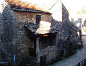 templářská vesnice LA COUVERTOIRADE na jihu Francie