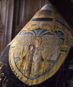 pohřební roucho Kateřiny Aragonské